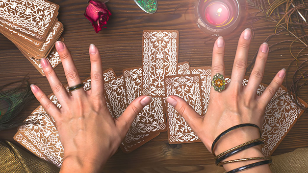 Get The Scoop on Tarot Reading Before You're Too Late